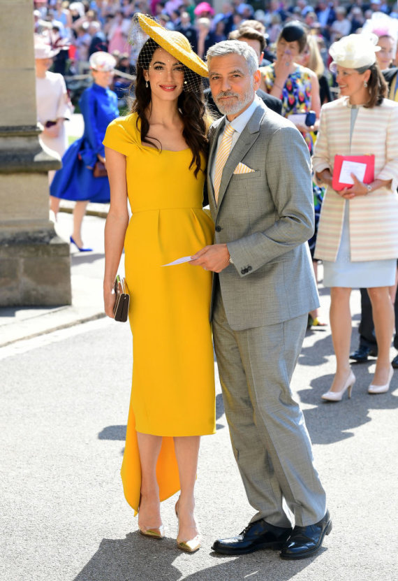 """""""Reuters""""/""""Scanpix"""" nuotr./Amal Clooney ir George'as Clooney per karališkąsias vestuves"""