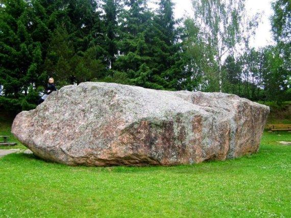 Mindaugo Tamošausko nuotr./Barstyčių akmuo