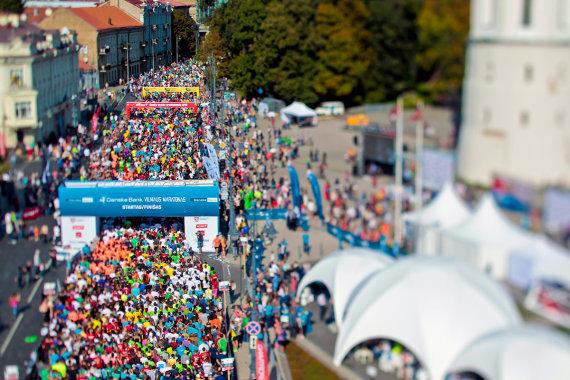 """Augusto Didžgalvio nuotr./""""Danske Bank Vilniaus maratono"""" varžybų startas"""