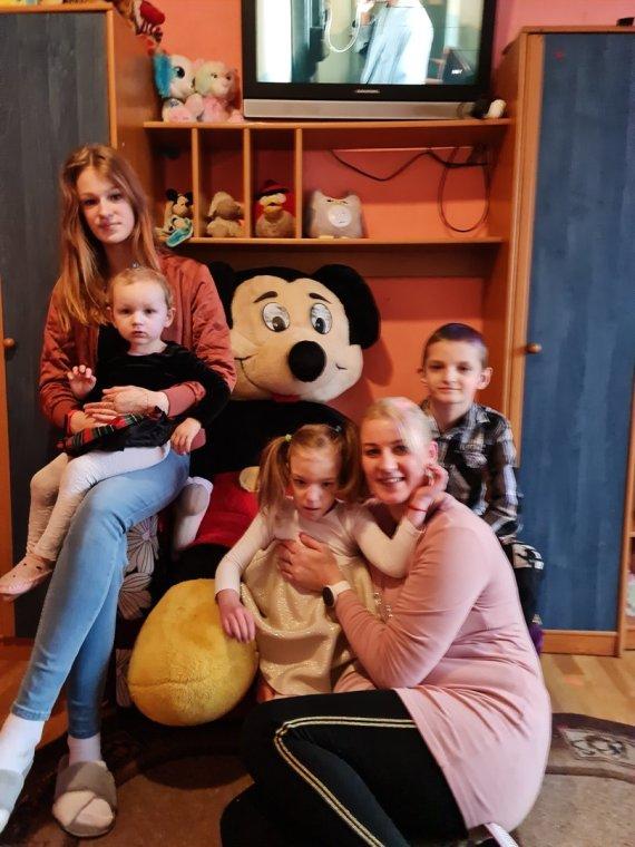 Asmeninio albumo nuotr./Lina Šimoliūnienė su vaikais