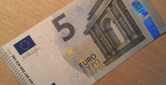 Plėšimas Alizavos miestelyje: vaikinas vyrui užlaužė kairę ranką ir atėmė 5 eurus