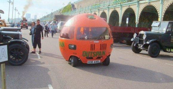 Kam prireikė pagaminti apelsino formos automobilį?