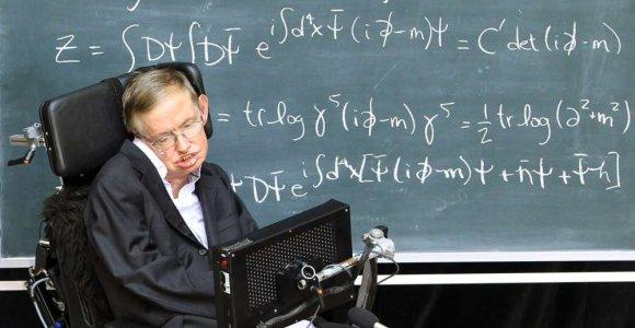 """Garsusis Stepheno Hawkingo bestseleris """"Trumpa laiko istorija"""" prabilo lietuviškai"""