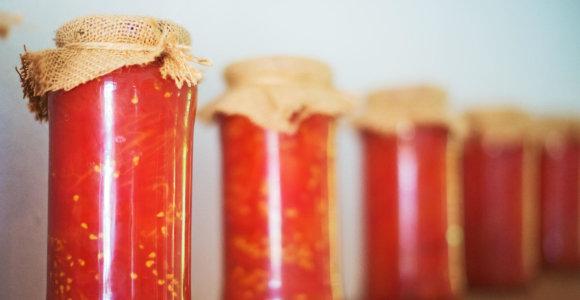 Jei klasika kiek pabodo: 10 originaliausių pomidorų konservavimo receptų