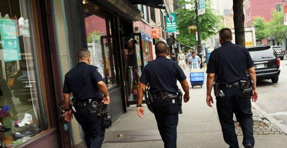 Bendruomenės šventėje Niujorke šaudynės – vienas žmogus žuvo, 11 sužeisti
