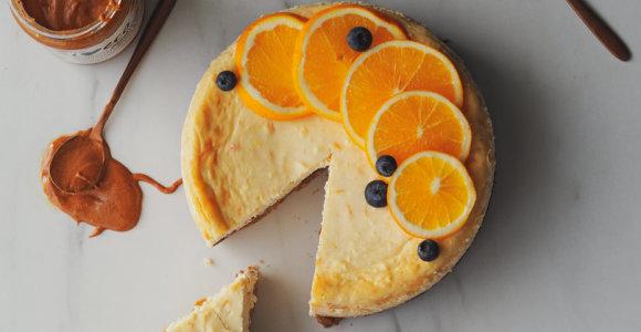 L.Rimgailės šventinis skanėstas: sūrio pyragas, paskanintas džemu ir riešutų sviestu
