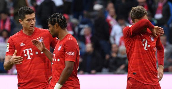 """""""Bundesliga"""": """"Bayern"""" netikėtai pralaimėjo, bet kluptelėjo ir """"Borussia"""""""