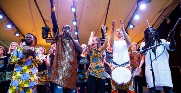 """Po muzikanto kelionės į Malį pas mokytoją – 5-asis """"Africa Night"""" koncertas Vilniuje"""
