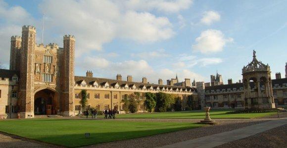 Kembridžo universitetas aiškinsis savo ryšius su prekyba vergais