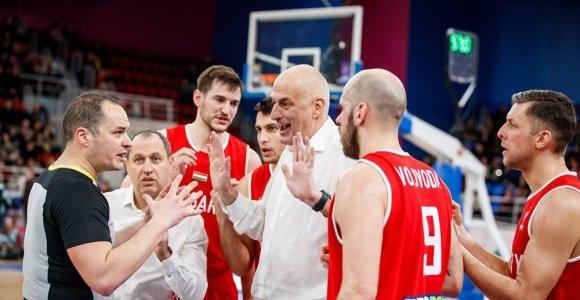 """Vienas FIBA """"burbulas"""" jau sprogo: Vengrija važiuoja namo"""
