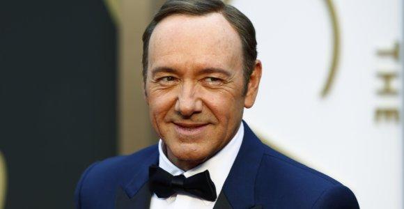 Mirus aukai, atšaukiama aktoriui Kevinui Spacey iškelta seksualinio priekabiavimo byla