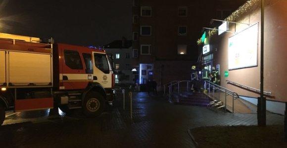 """Buvo įvestas planas """"Skydas"""": Klaipėdoje pranešta apie sprogmenį prekybos centre"""