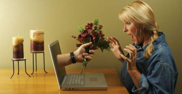 40-metės nuotykiai internete: ieško meilės, bet jaučiasi klampojanti po gilią pelkę
