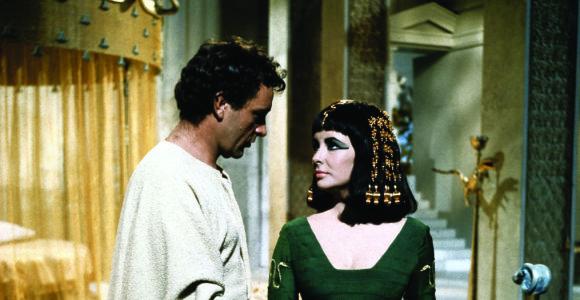 """Didžioji amerikiečių kino nesėkmė """"Kleopatra"""": filmo kūrimas – lyg nelemtas kliedesys"""