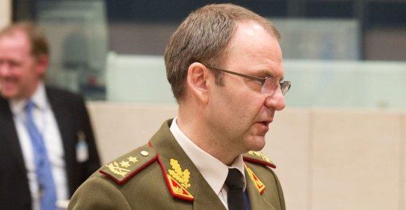 Gen. mjr. V.Vaikšnoras perdavė Baltijos gynybos koledžo vadovo pareigas Latvijos generolui