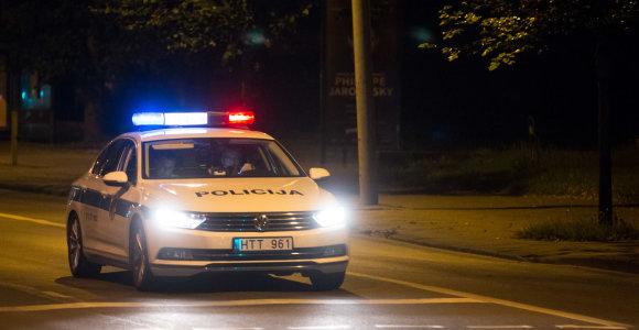 KET išimtys: ar skubantys pareigūnai gali nepaisyti kelio ženklų?