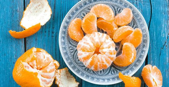 Kaip nesuklysti perkant mandarinus? Ekspertė atkreipia dėmesį į kelias savybes