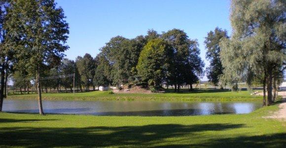 Nuotraukose neatrastas Pandėlio dvaras atgimė gražiu parku