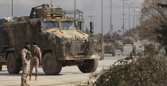 Sirijos Idlibe per režimo pajėgų smūgius žuvo mažiausiai 33 Turkijos kariai