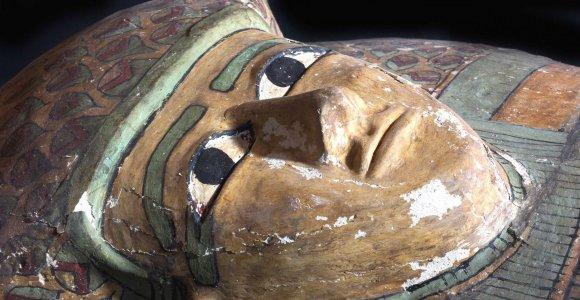 Pavogtassenovės Egipto šventiko sarkofagas iš Niujorko sugrįžo į Kairą