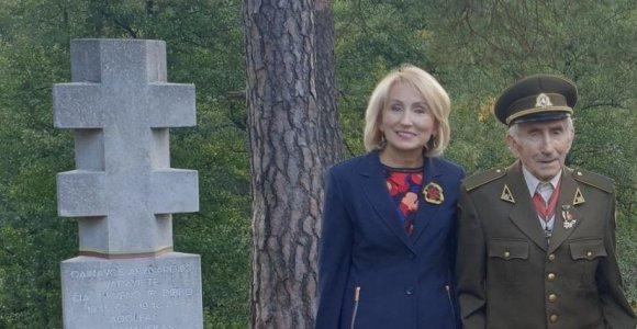 """Partizano J.Jakavonio-Tigro dukra A.Jakavonytė: """"Kovotojų už laisvę vaikuose patriotizmo genas užgrūdintas"""""""