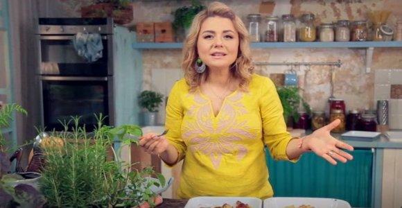 B.Nicholson: neturite laiko suktis virtuvėje – pasigaminkite gardų vištienos patiekalą