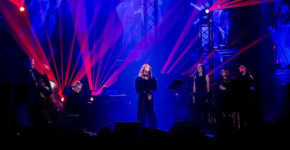Vilniaus publiką užbūrė kalėdinis pasimatymas su netikėtu duetu – Erica Jennings ir Petru Geniušu