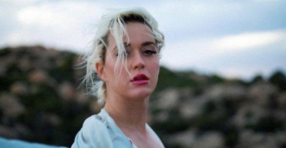 Nėščia Katy Perry apsinuogino naujausio kūrinio vaizdo klipe: pamatykite