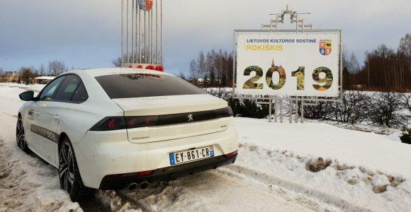 """Kalėdinė kelionė """"Lietuvos metų automobiliu 2019"""": """"Peugeot 508"""" atliko ypatingą misiją"""