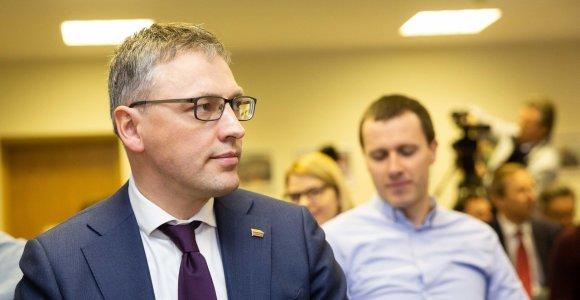 """Seimo """"valstietis"""" V.Bakas stoja R.Masiulio pusėn: """"Tai vienas sėkmingiausių ministrų"""""""