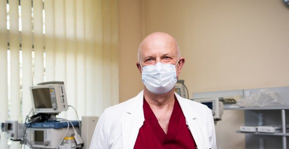#PriešakinėseLinijose. COVID-19 korpuso vadovas, chirurgas Rimvydas Tumas: nėra kada galvoti apie baimes
