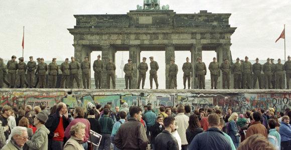 Istorijos profesorius: Berlyno sienos griūtis Vakarams tapo jų pačių grožį atspindinčiu veidrodžiu