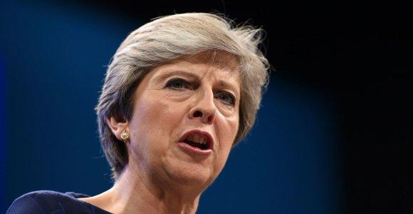 """Jungtinės Karalystės premjerė tikisi, kad ES teigiamai reaguos į """"Brexit"""" pasiūlymą"""