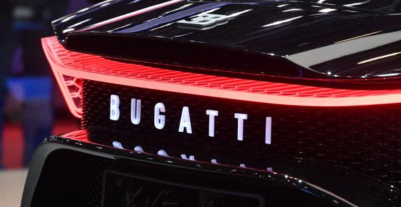 "16 mln. Eur. paslaptis: ką Ženevoje slėpė ""Bugatti La Voiture Noire"" tamsinti langai?"