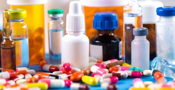 """Su """"nusigydymo"""" atvejais susidurianti gydytoja – apie vaistų vartojimo klaidas ir pavojingus derinius"""