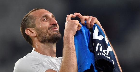 """""""Juventus"""" žvaigždės pasakojimas atskleidė – komandos draugas nuolat girtavo"""