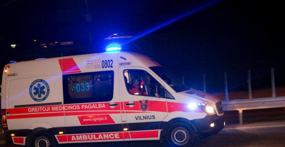 Ukmergės gatvėje susidūrė BMW ir greitosios pagalbos automobilis: yra nukentėjusių