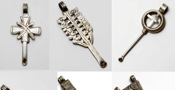 Nuotraukoje matomi daiktai iš Etiopijos yra ne tik papuošalai: kam dar jie naudojami?