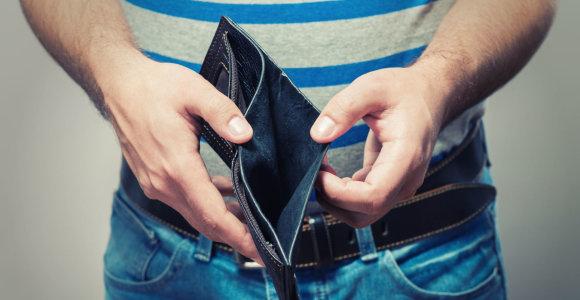 Seimui ketinant pertvarkyti antstolių veiklą, kreditų valdytojai bijo pokyčių