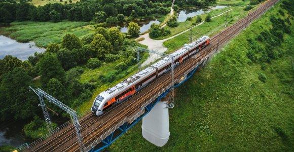 Dėl įvedamo žiemos laiko keičiasi dalies traukinių tvarkaraščiai
