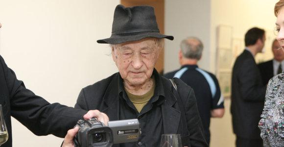 Siūloma Vilniaus miesto garbės piliečio vardą suteikti šiemet mirusiam Jonui Mekui