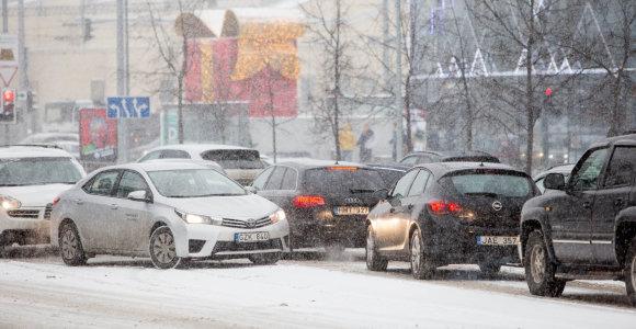 Šventinė eismo karštinė didmiesčiuose: sunkiausia bus kitą savaitę