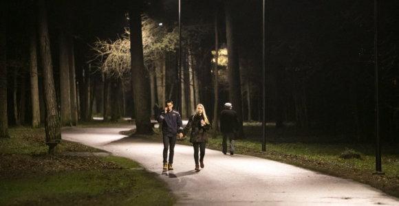 Vingio parke – atnaujintas apšvietimas, planuojama įrengti vaizdo stebėjimo kameras