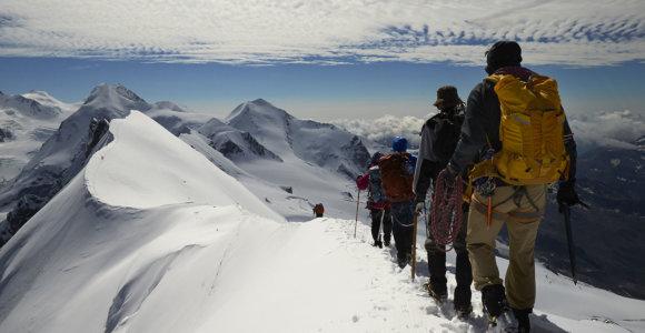 Nepalo Makalu kalne žuvo alpinistas iš Peru
