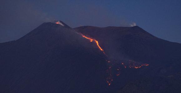 Ar žmonės galėtų sukelti ugnikalnio išsiveržimą?