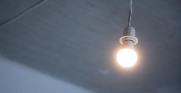 Naktį svylančių elektros laidų kvapą pajutęs profesorius pasigedo ESO pagalbos