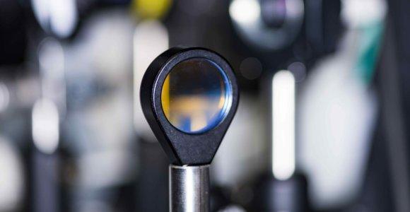 IBM sukūrė pirmąjį ultra-greitą visiškai optinį tranzistorių: atsivers pasakiškos galimybės