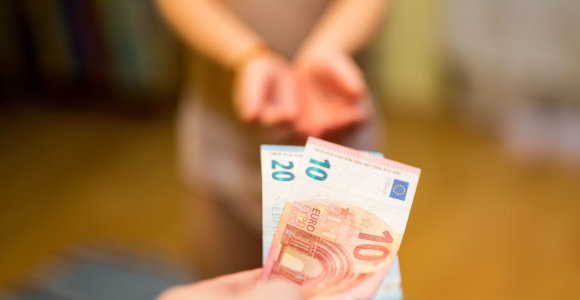 Kalėjimas iki senatvės: net ir nusuktas sprandas nėra pateisinama priežastis nutraukti pensijų kaupimo sutartį