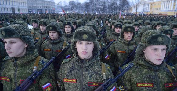 Rusijoje koronaviruso bandymams panaudoti savanoriai kariai sveikata nesiskundžia