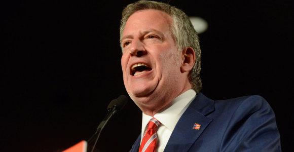 Niujorko meras Billas de Blasio pasitraukė iš prezidentinių lenktynių